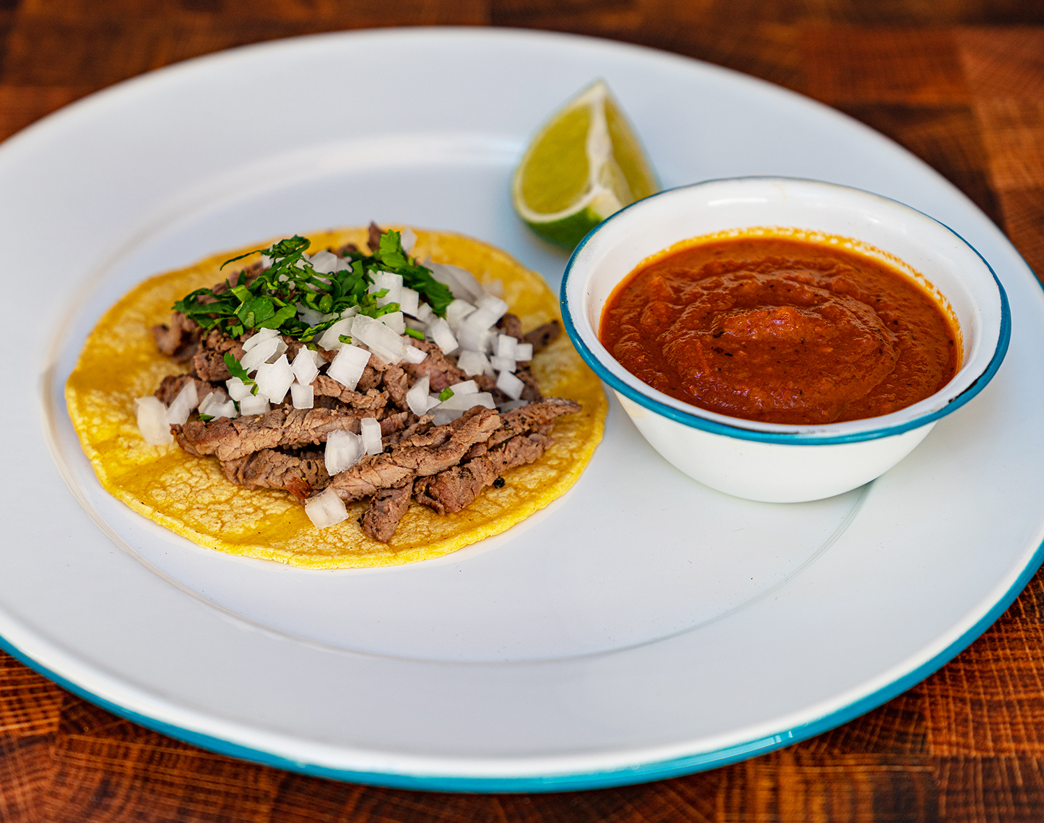 tacos and dipping sauce